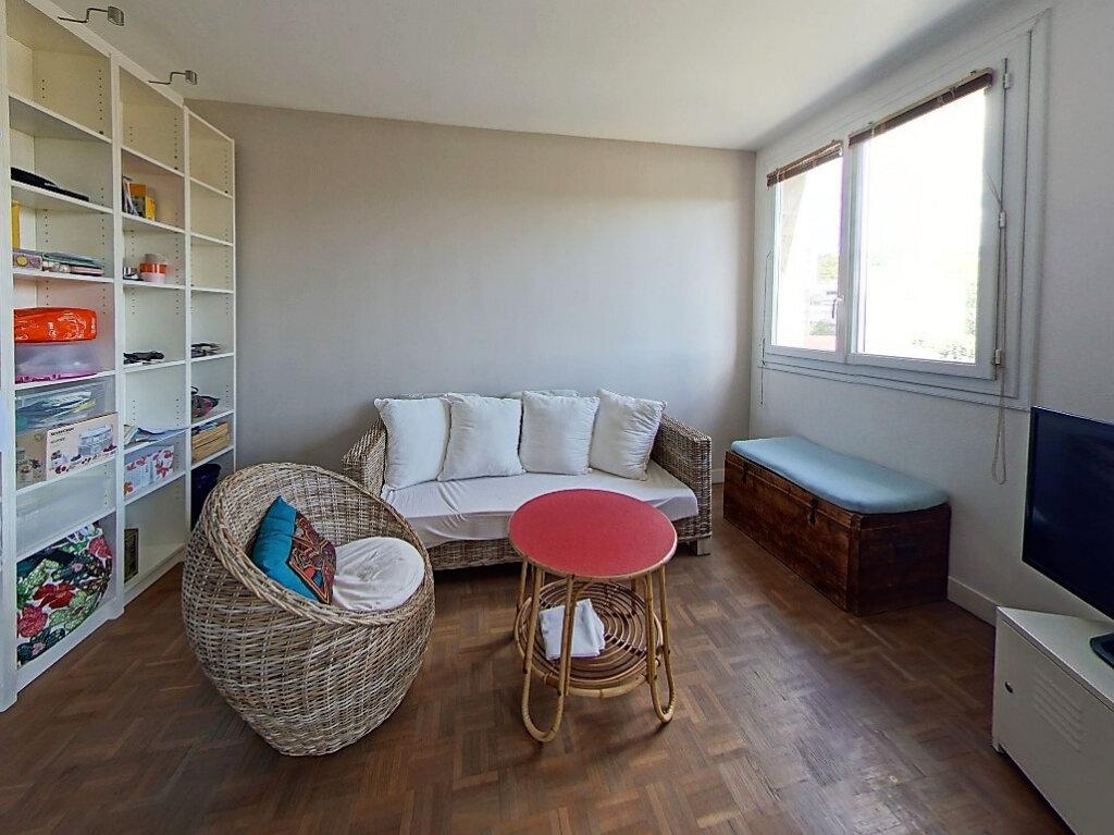 Appartement à louer 4 65.83m2 à Sèvres vignette-3