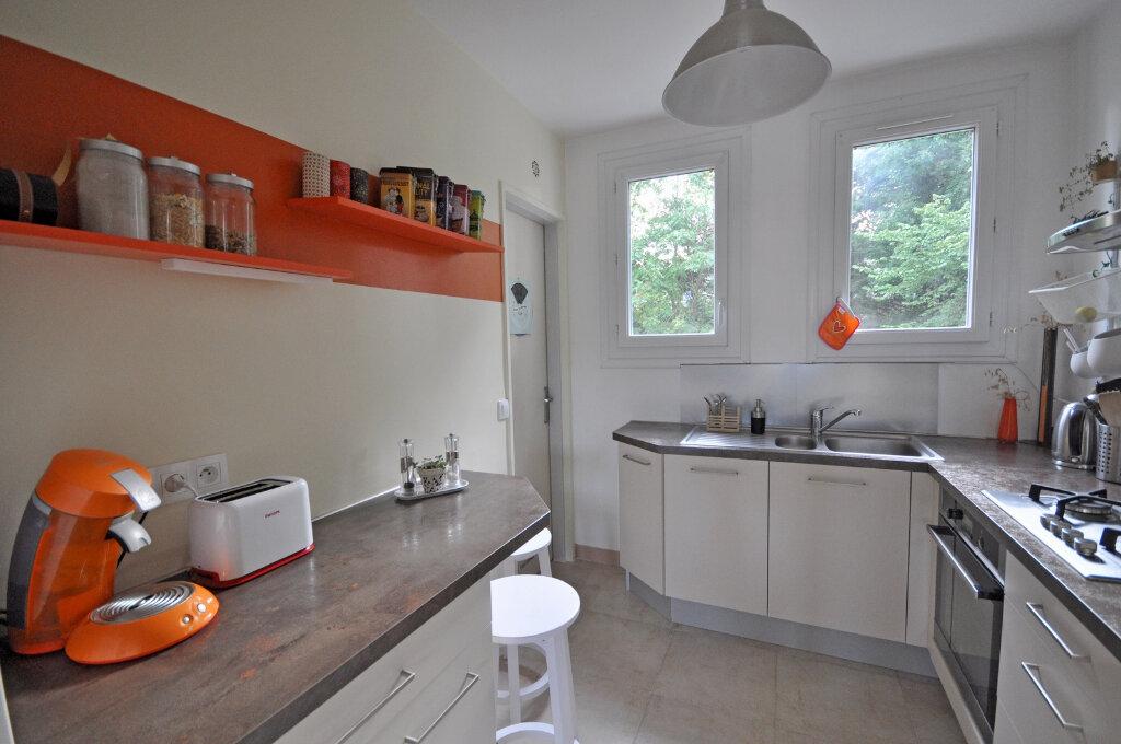 Appartement à louer 4 65.83m2 à Sèvres vignette-4