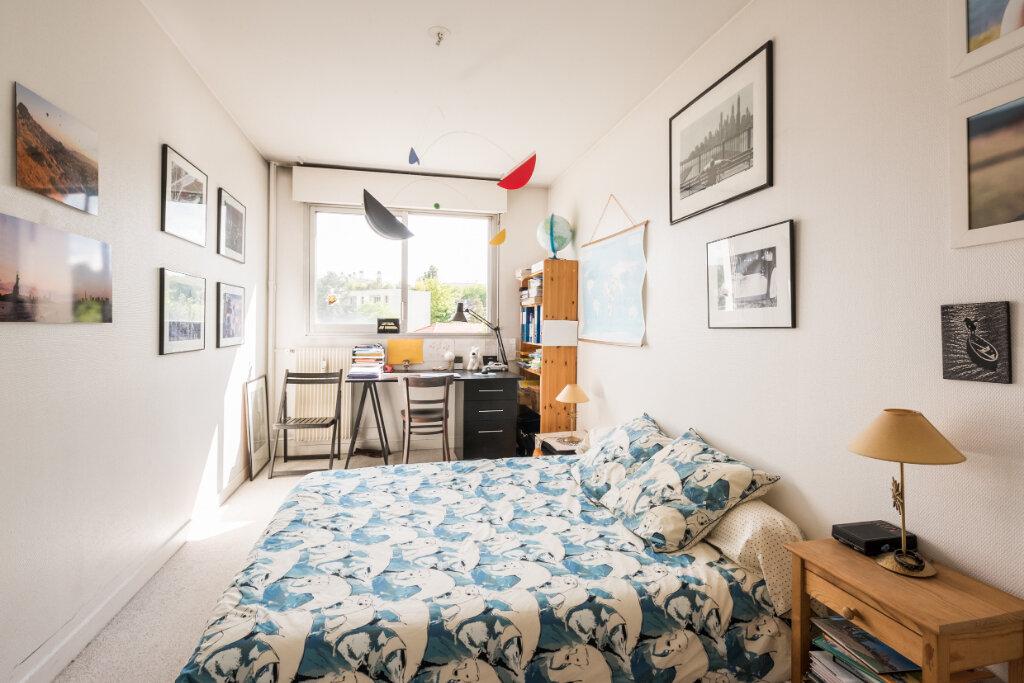 Appartement à vendre 4 85m2 à Sèvres vignette-3