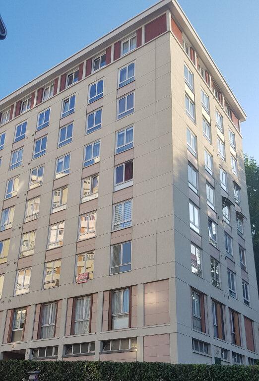 Appartement à vendre 3 64m2 à Sèvres vignette-1