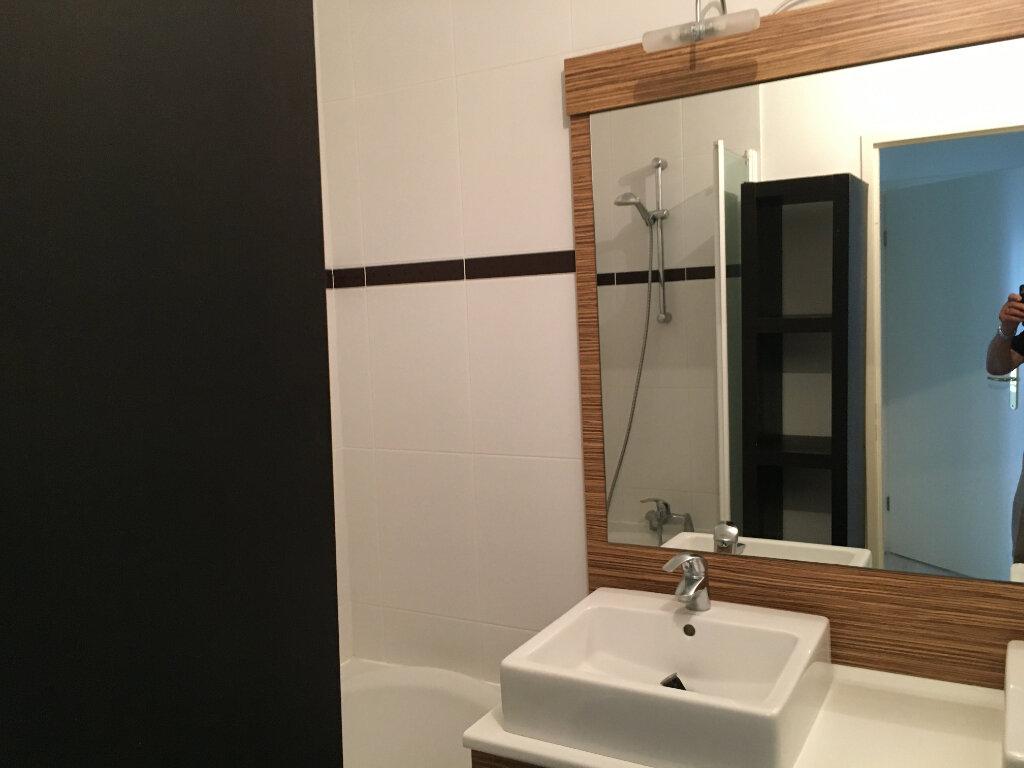 Appartement à louer 3 72.18m2 à Montrouge vignette-4
