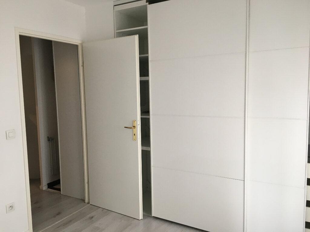 Appartement à louer 3 72.18m2 à Montrouge vignette-6