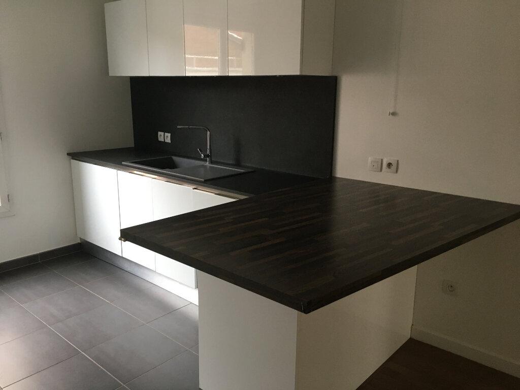 Appartement à louer 3 72.18m2 à Montrouge vignette-12