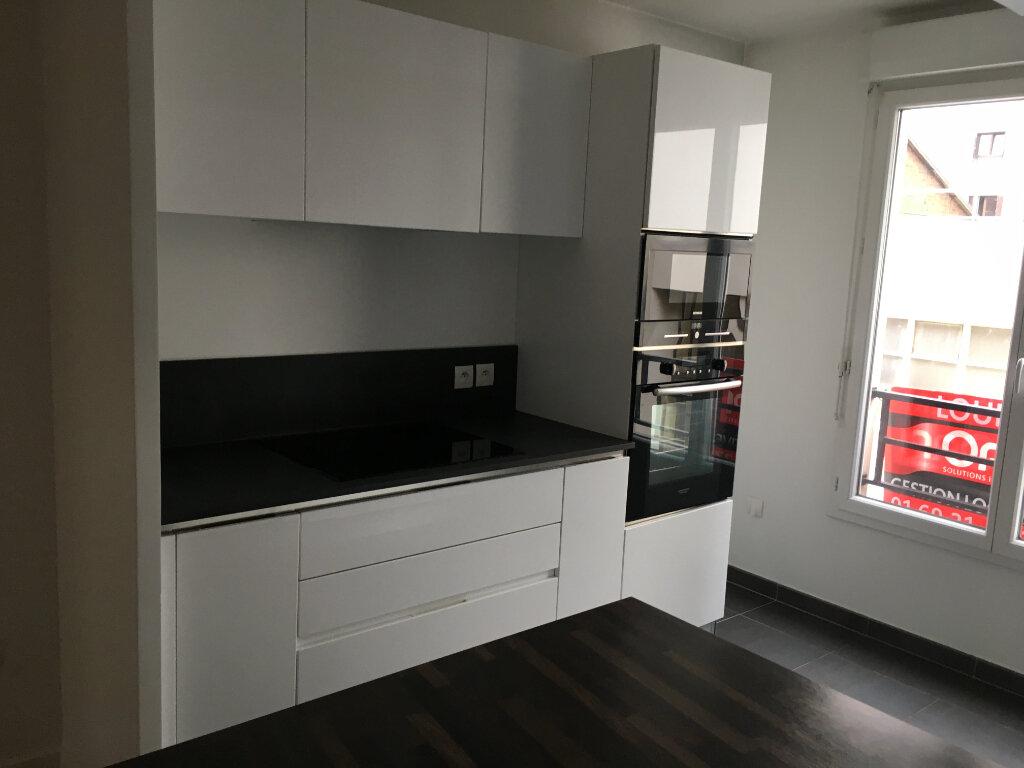 Appartement à louer 3 72.18m2 à Montrouge vignette-13