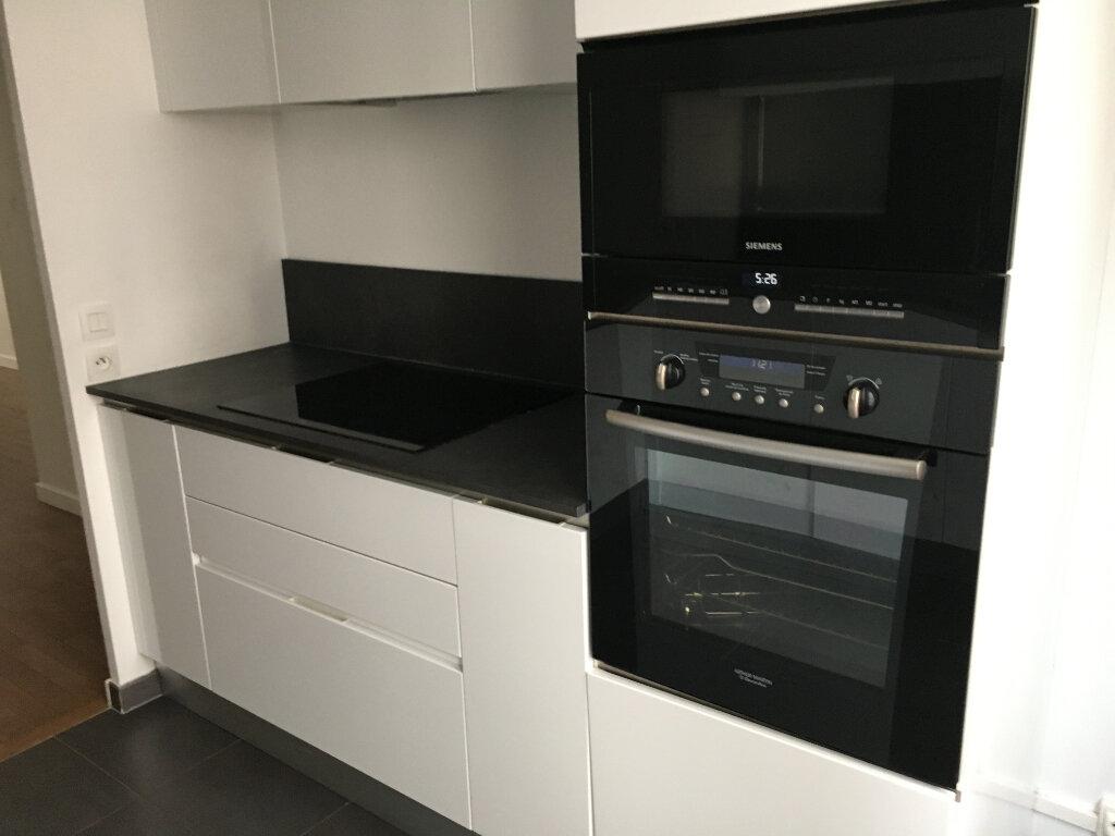 Appartement à louer 3 72.18m2 à Montrouge vignette-14