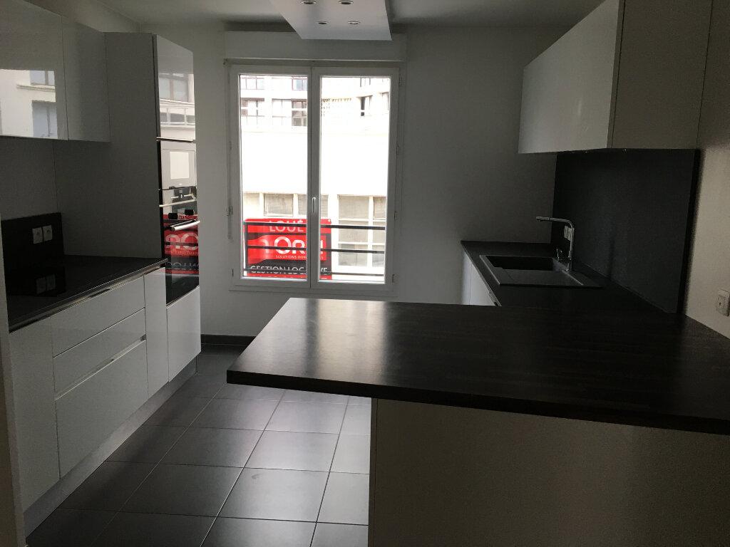 Appartement à louer 3 72.18m2 à Montrouge vignette-16