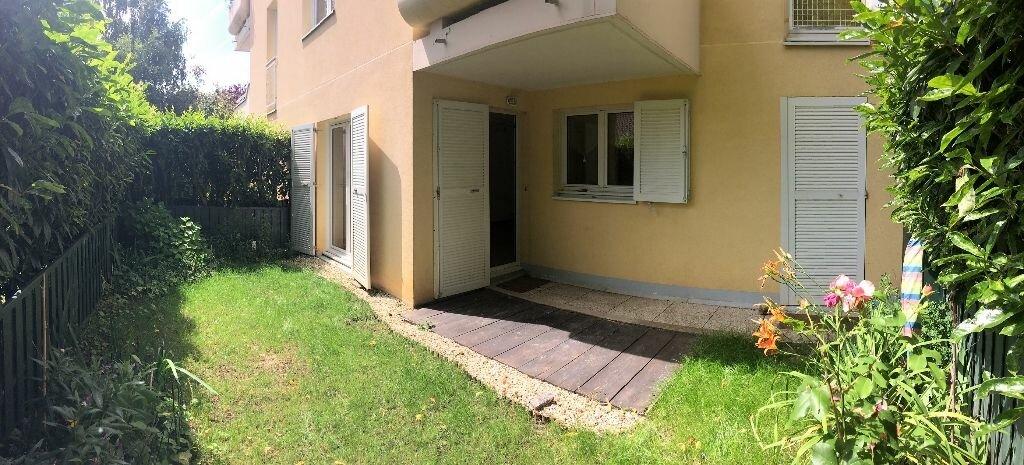 Appartement à louer 2 54.47m2 à Les Ulis vignette-1