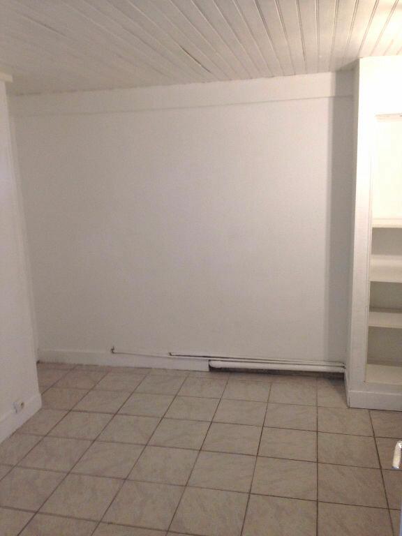 Appartement à louer 2 40.62m2 à La Ville-du-Bois vignette-2