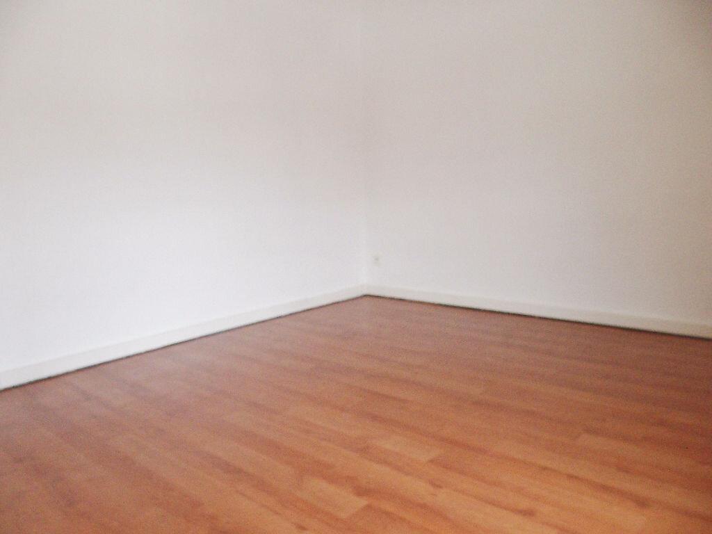 Appartement à louer 1 25m2 à Palaiseau vignette-2