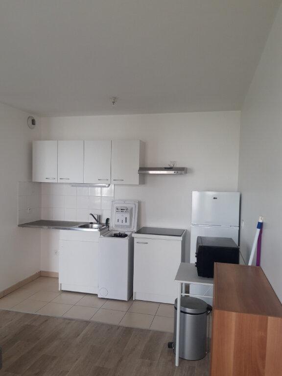 Appartement à louer 2 41.2m2 à Les Ulis vignette-2