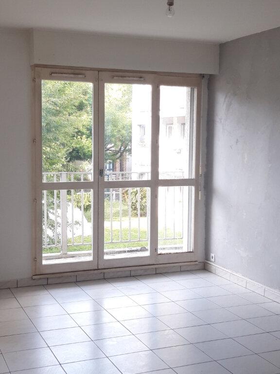 Appartement à louer 4 77.77m2 à Les Ulis vignette-2