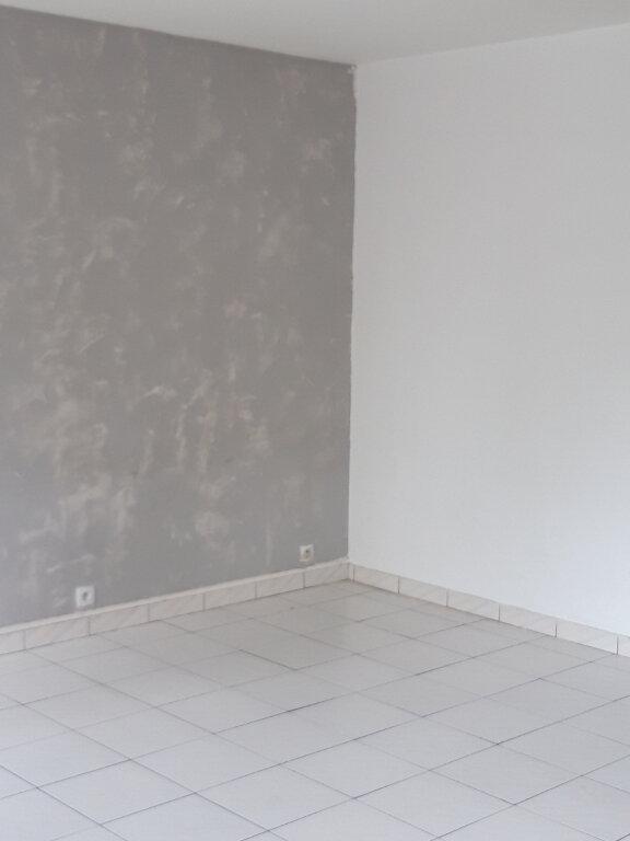 Appartement à louer 4 77.77m2 à Les Ulis vignette-3