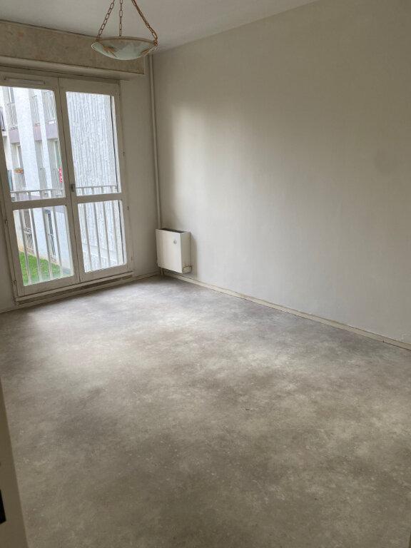 Appartement à louer 4 77.77m2 à Les Ulis vignette-4
