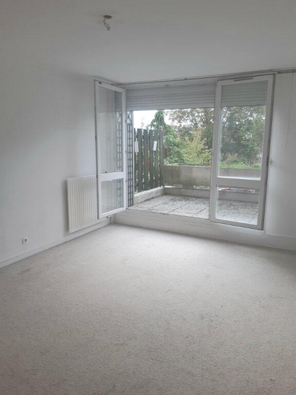 Appartement à louer 3 65m2 à Les Ulis vignette-1