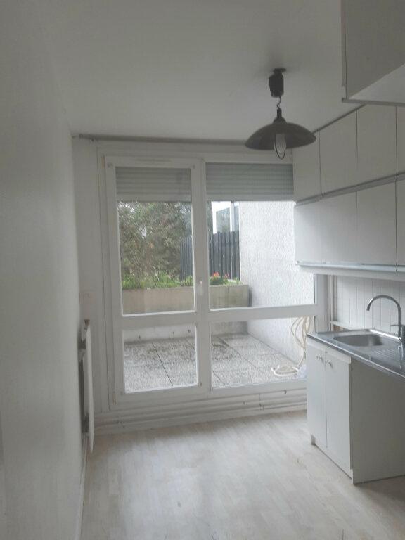 Appartement à louer 3 65m2 à Les Ulis vignette-2