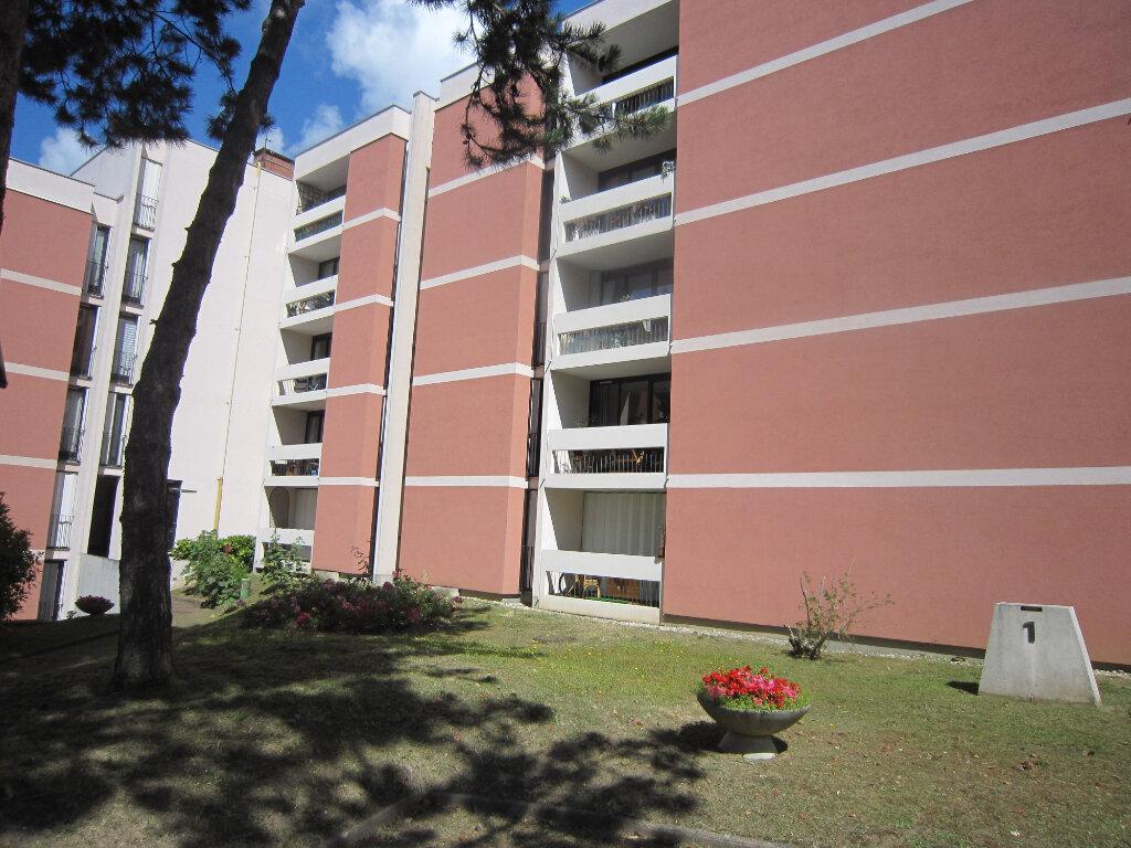 Appartement à louer 3 65.62m2 à Palaiseau vignette-1