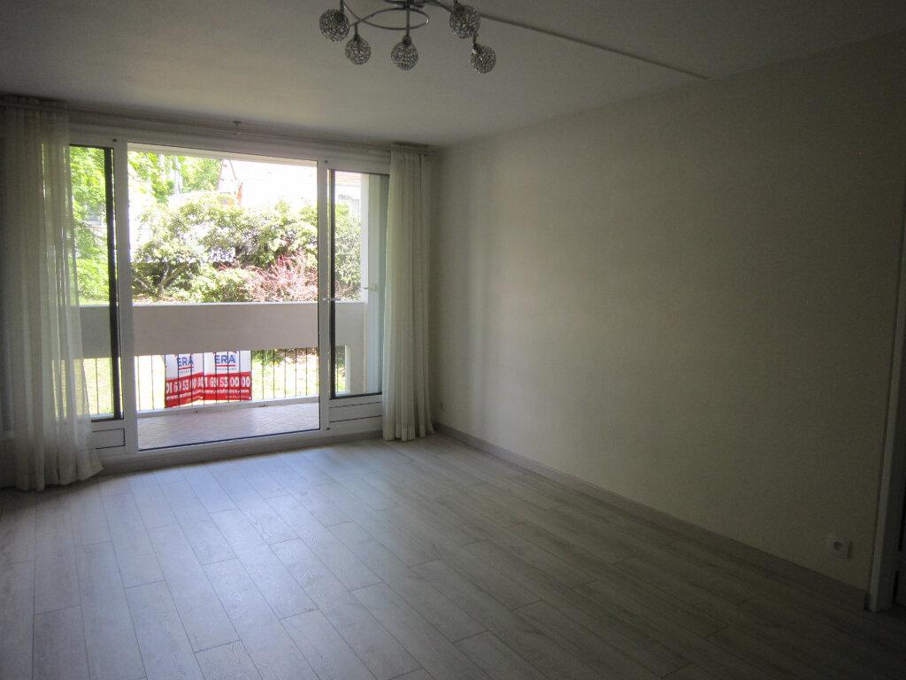 Appartement à louer 3 65.62m2 à Palaiseau vignette-4
