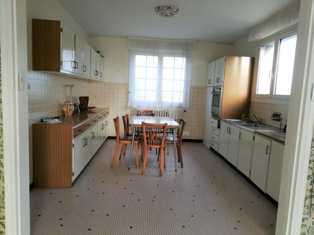 Maison à vendre 8 151.76m2 à Arzano vignette-7