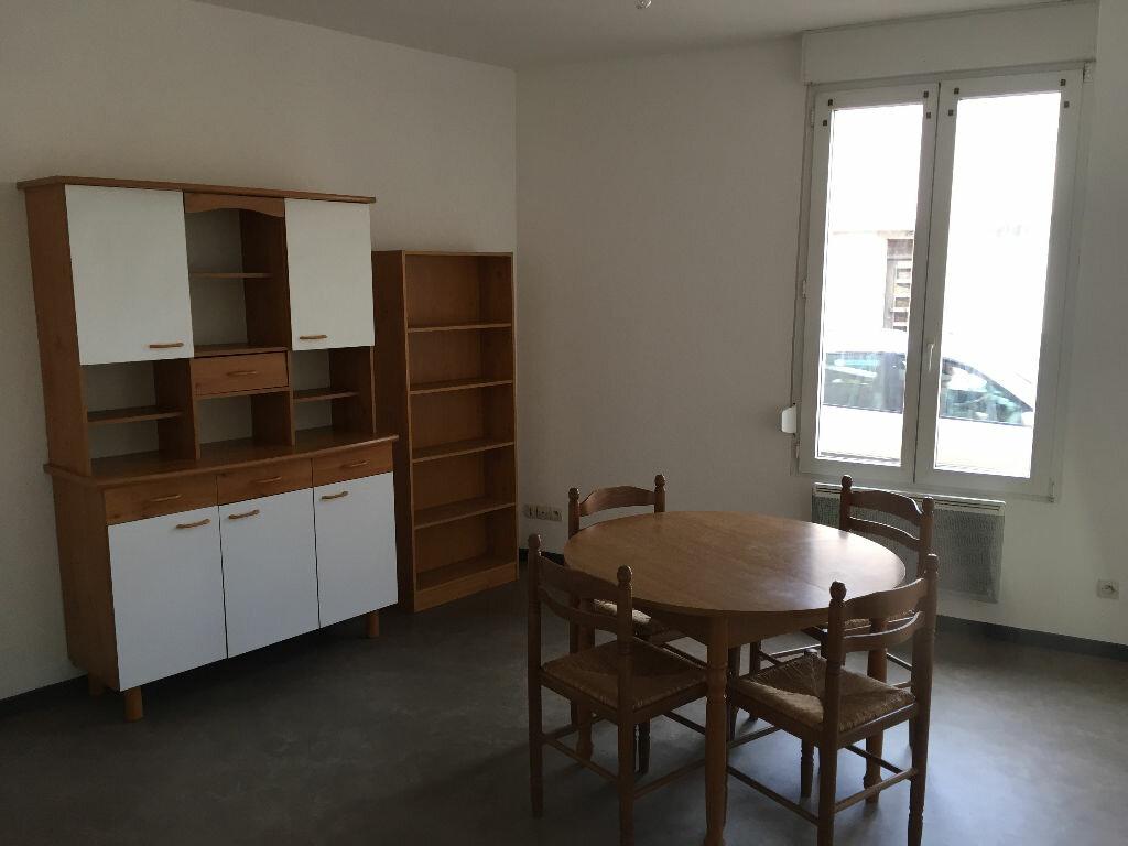 Appartement à louer 1 35.1m2 à Saint-Dié-des-Vosges vignette-3