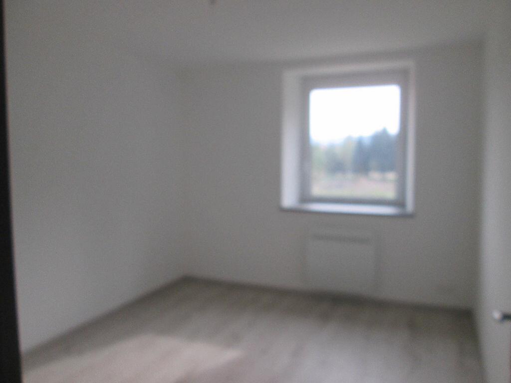 Maison à louer 5 155m2 à Anould vignette-2