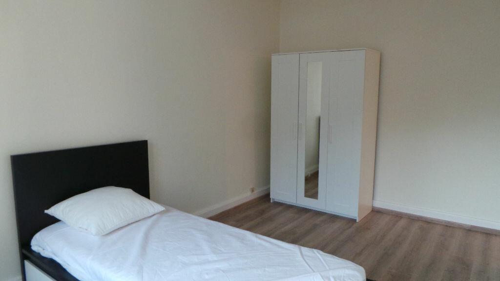 Appartement à louer 3 112m2 à Saint-Dié-des-Vosges vignette-3