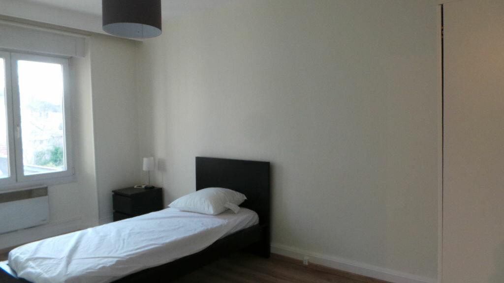 Appartement à louer 3 112m2 à Saint-Dié-des-Vosges vignette-4