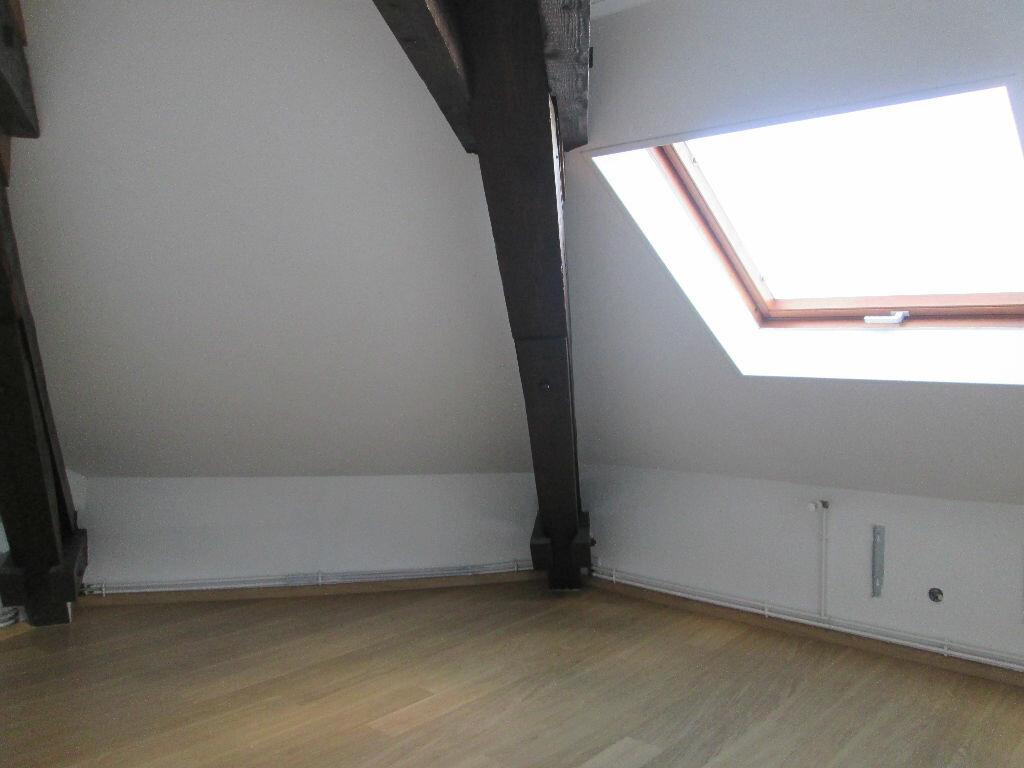 Appartement à louer 3 43.65m2 à Saint-Dié-des-Vosges vignette-2