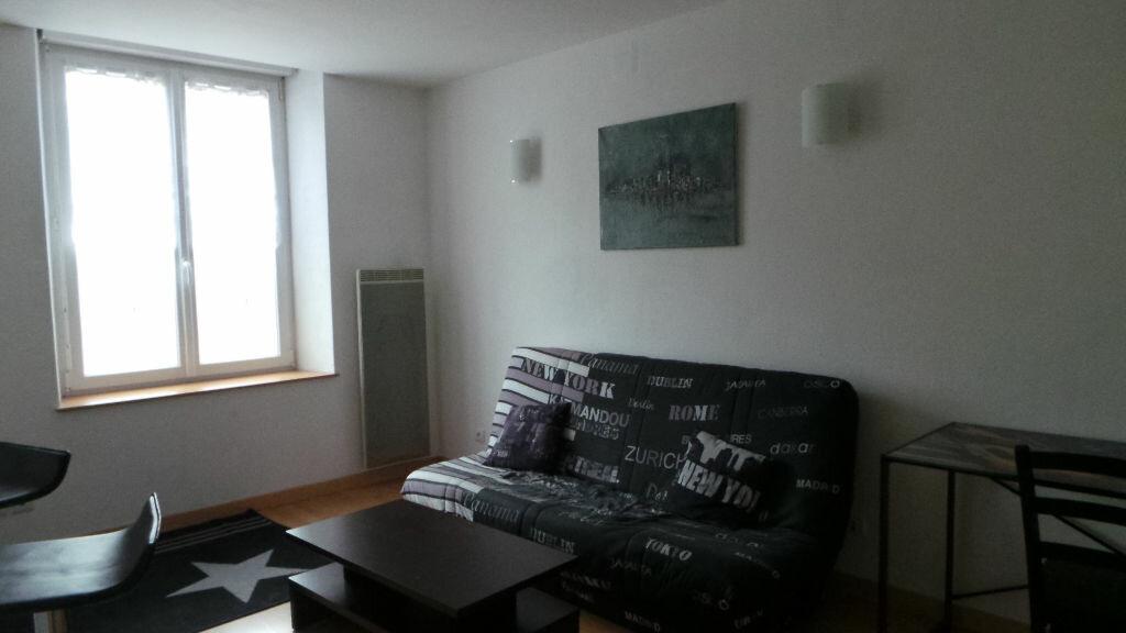 Appartement à louer 1 35m2 à Saint-Dié-des-Vosges vignette-3
