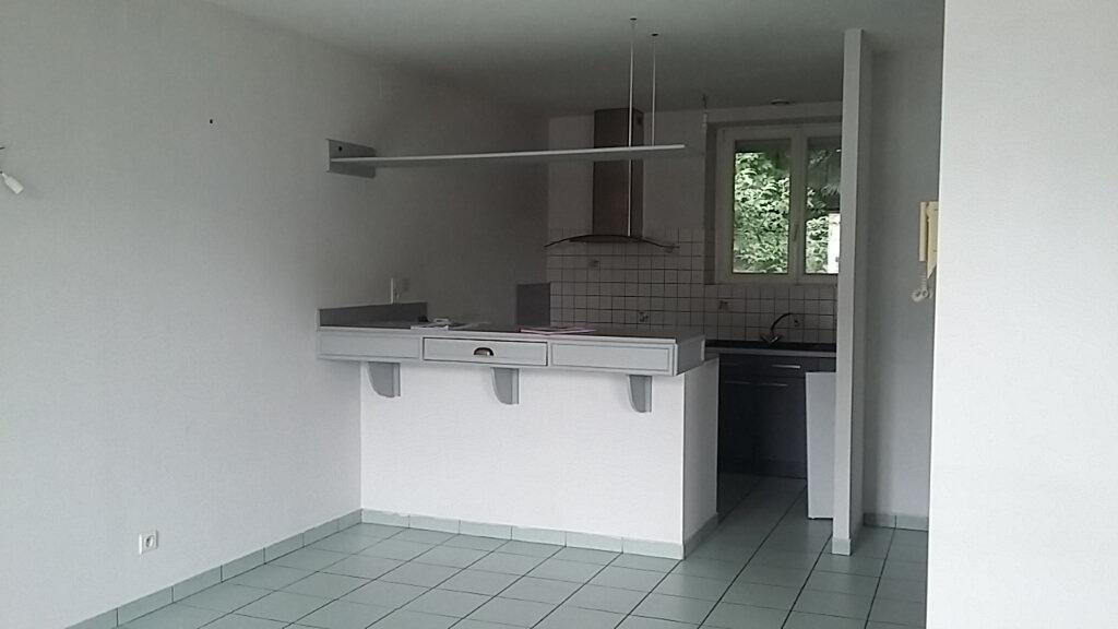 Appartement à louer 3 78m2 à Saint-Dié-des-Vosges vignette-2