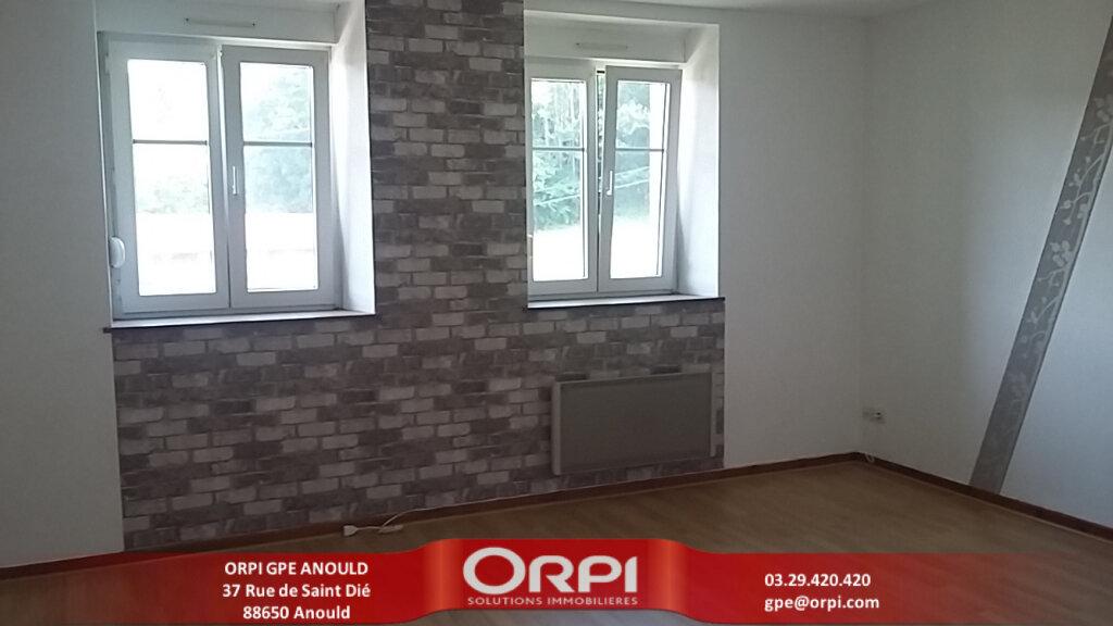 Appartement à louer 3 83m2 à Anould vignette-1