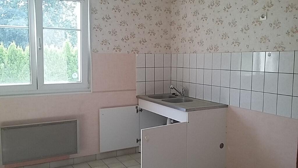Appartement à louer 3 83m2 à Anould vignette-2