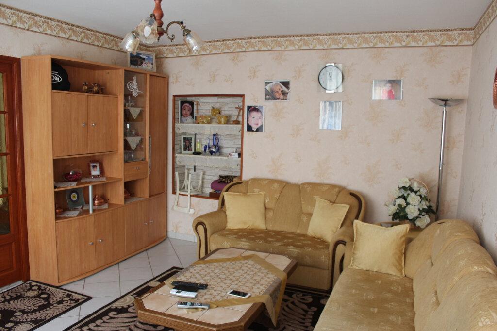 Immeuble à vendre 0 213m2 à Granges-sur-Vologne vignette-3