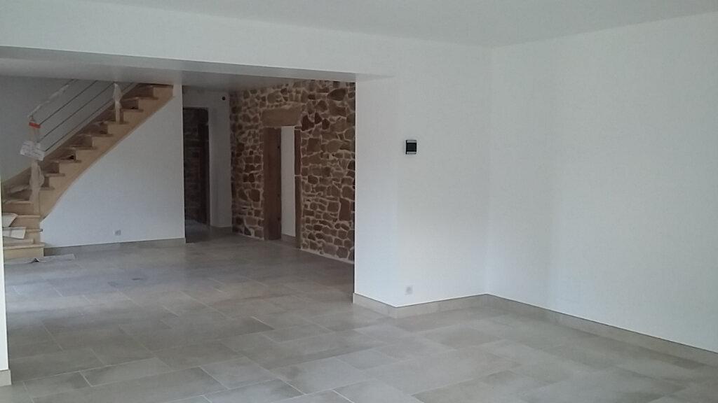 Maison à louer 5 147m2 à Vienville vignette-3