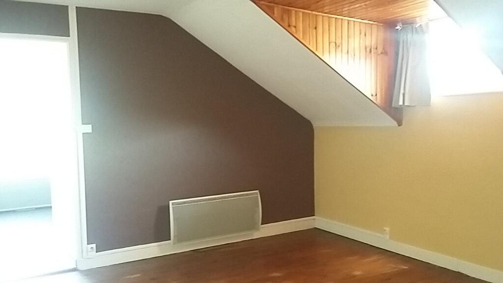 Appartement à louer 3 65m2 à Étival-Clairefontaine vignette-4