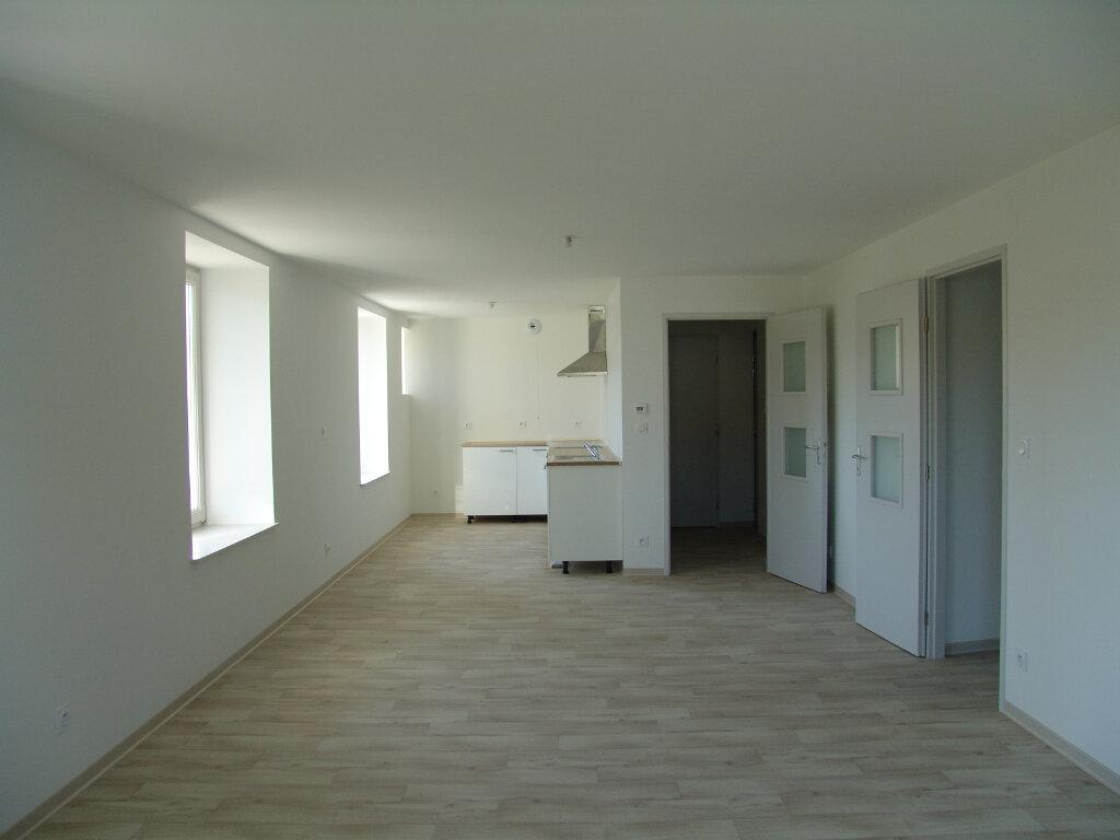 Appartement à louer 3 74.22m2 à Le Tholy vignette-2