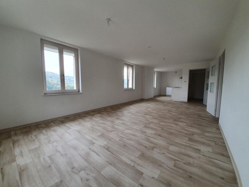 Appartement à louer 3 80.31m2 à Le Tholy vignette-2