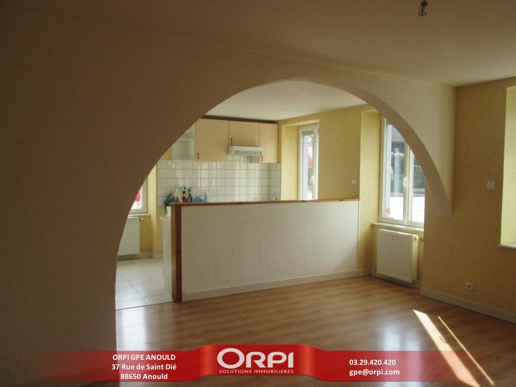 Appartement à louer 3 90m2 à Anould vignette-1