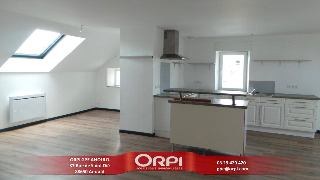 Appartement à louer 4 105m2 à Anould vignette-1
