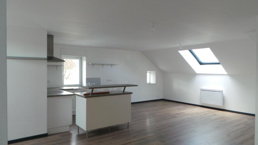 Appartement à louer 4 105m2 à Anould vignette-2