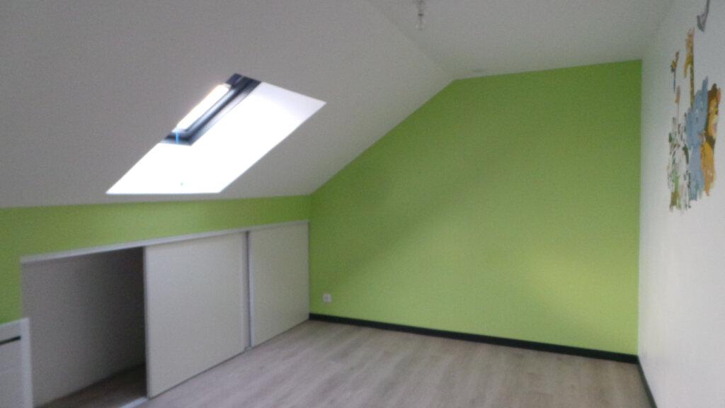 Appartement à louer 4 105m2 à Anould vignette-5