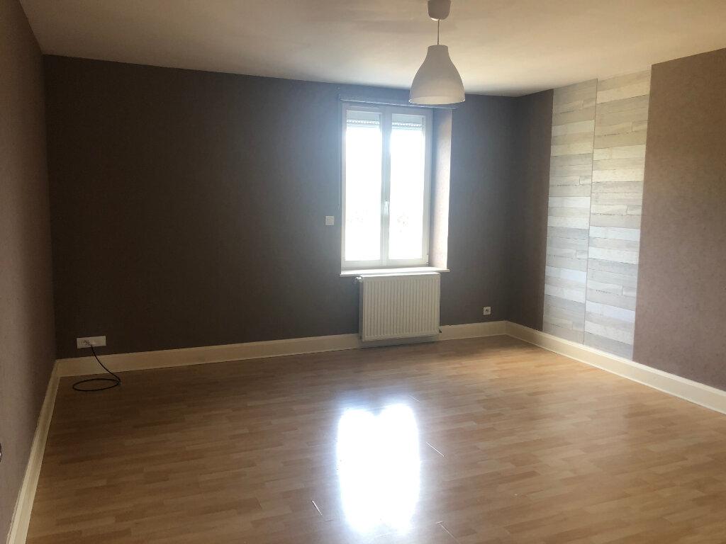 Appartement à louer 3 75m2 à Anould vignette-2