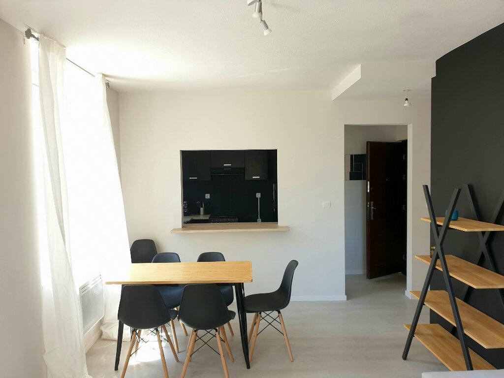 Appartement à louer 3 63m2 à Le Bonhomme vignette-2