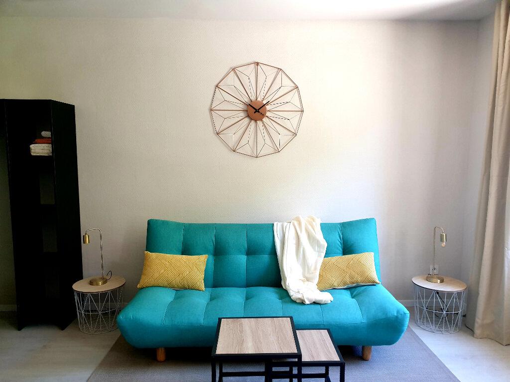 Appartement à louer 1 24m2 à Le Bonhomme vignette-2
