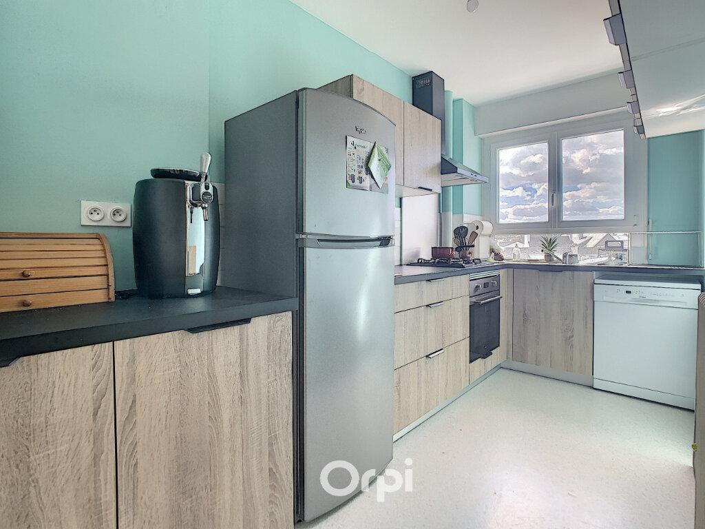 Appartement à louer 3 70.82m2 à Lorient vignette-2