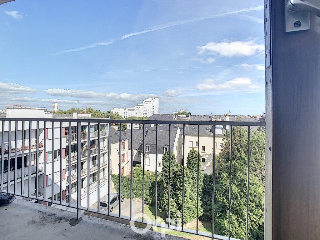 Appartement à louer 3 70.82m2 à Lorient vignette-4