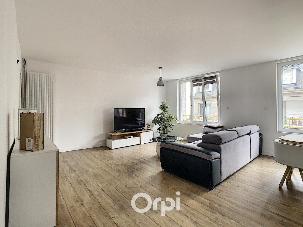 Appartement à louer 3 64m2 à Lorient vignette-2