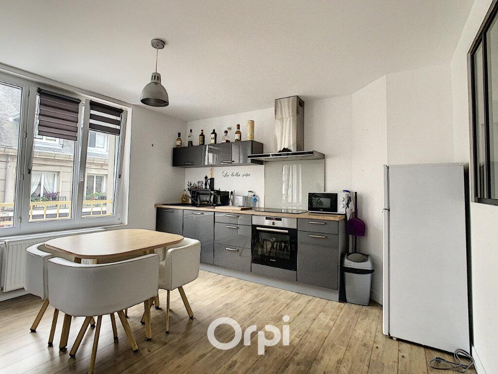 Appartement à louer 3 64m2 à Lorient vignette-3