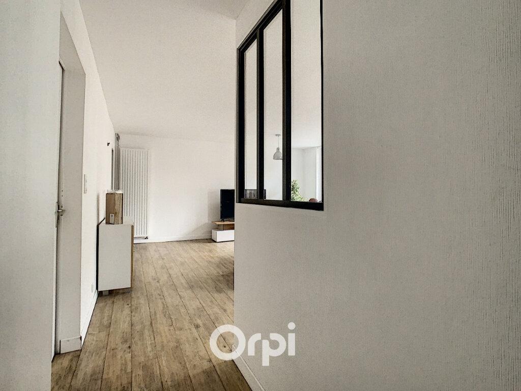 Appartement à louer 3 64m2 à Lorient vignette-5