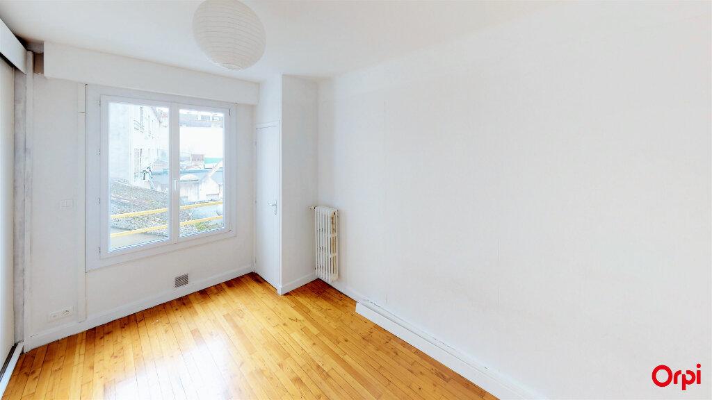 Appartement à louer 3 64m2 à Lorient vignette-7