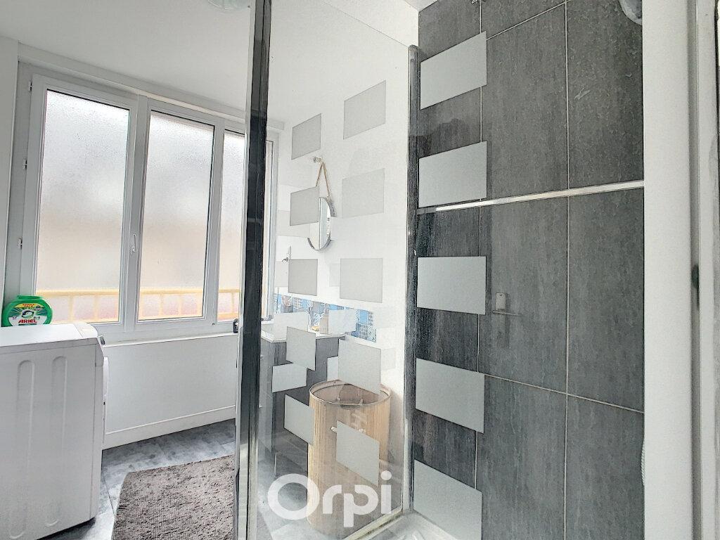 Appartement à louer 3 64m2 à Lorient vignette-11